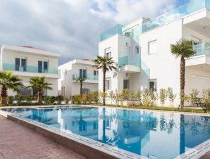 Διακοπές στο Acrotel Porto Brava Luxury Villas στον Όρμο Παναγιάς στην Σιθωνία Χαλκιδικής, μόλις 400 μ. από την παραλία Τρανή Αμμούδα!