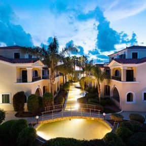 Καλοκαιρινές διακοπές στο 4* Messina Resort στο Καλό Νερό, μόλις 7 χλμ. από την Κυπαρισσία!