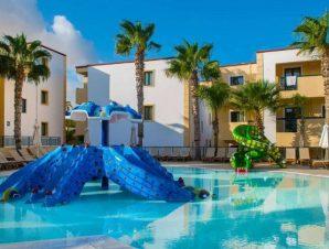 Διαμονή στο θέρετρο 4* Gouves Waterpark Holiday Resort στις Γούβες Ηρακλείου Κρήτης, έναν ιδανικό προορισμό χαλάρωσης με 3 μεγάλες πισίνες, νεροτσουλήθρες και παιδική απασχόληση με πολλές δραστηριότητες για τα παιδιά!