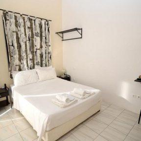 Διαμονή στo Αγκίστρι στο Κoukounari Rooms, μόλις 100 μ. από την παραλία της Σκάλας!