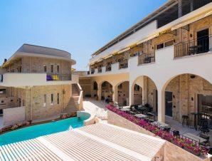 Διακοπές στο 4* Neikos Mediterraneo στη Χανιώτη Χαλκιδικής, εμπνευσμένο από τα στοιχεία της φύσης, με χρώματα και πινελιές μεσογειακής αισθητικής!