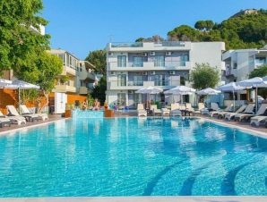 Διαμονή στο Sunny Days Rhodes στην Ιξιά, μόλις 40 μέτρα από τη παραλία και με εκπληκτική θέα στο Αιγαίο!