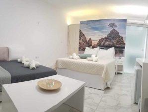 Διαμονή στο παραθαλάσσιο Beach Hotel στη Θάσο, ένα ξενοδοχείο που βρίσκεται στη βραβευμένη με γαλάζια σημαία παραλία Πευκάρι!