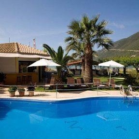 Διαμονή στο 4* Grand Nefeli Hotel πάνω στην παραλία Πόντι στην Λευκάδα, μόλις 5 χλμ. από την παραλία Πόρτο Κατσίκι!