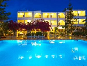 Διαμονή στο 3* Kyparissia Beach Hotel στη Μεσσηνία, μόλις λίγα μέτρα από τη θάλασσα και 5 λεπτά με τα πόδια από το κέντρο!