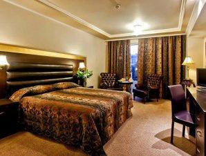 Διαμονή στο 4* Kouros Hotel στη Δράμα, ένα ξενοδοχείο με επιβλητική αρχιτεκτονική και υπέρκομψη πολυτέλεια μόλις 2′ από το κέντρο της πόλης!