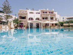 Διαμονή στο 3* Ariadne Hotel στον Άγιο Προκόπιο Νάξου, μόλις 30 μέτρα από την παραλία!