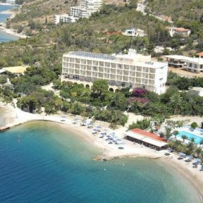 Αγ. Πνεύματος στο Pappas Hotel στο Λουτράκι, μόλις 1 ώρα από Αθήνα!
