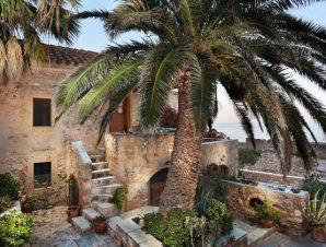 Διαμονή στο Casa Palma στη Μονεμβασιά, σε ιδανική τοποθεσία εντός του θρυλικού Κάστρου με άπλετη θέα στη θάλασσα!