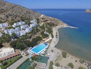 Διακοπές στο 4* Dolphin Bay Hotel στον Γαλησσά στη Σύρο, ένα παραθαλάσσιο resort 20.000 τ.μ. κτισμένο αμφιθεατρικά επάνω στη βραβευμένη με Γαλάζια Σημαία παραλία!