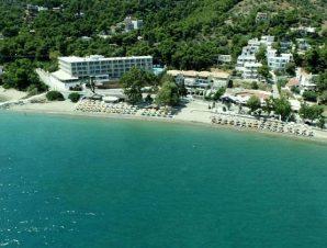 Διαμονή στο 4* New Aegli Hotel Poros, σε προνομιακή παραθαλάσσια τοποθεσία στον Κόλπο Ασκέλι, σε απόσταση μόλις 1,5 χλμ. από τη Χώρα!