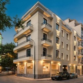 Το νέο, έξυπνο μπουτίκ ξενοδοχείο της πόλης 4* Athens One Smart Hotel, παντρεύει τη γοητεία της νοσταλγίας, με την τεχνολογία αιχμής και όλες τις σύγχρονες τάσεις!